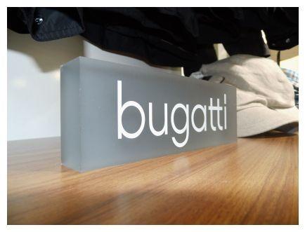 slider08-bugatti